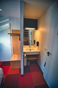 A bathroom at Hotel Aquatel