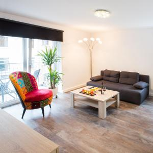 A seating area at Boardinghouse Living28 Aachen