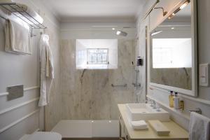 Um banheiro em Hotel Casa Palmela – Small Luxury Hotels (Hotel & Villas)