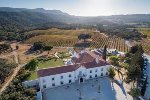 Uma vista aérea de Hotel Casa Palmela – Small Luxury Hotels (Hotel & Villas)
