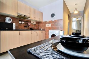 Кухня или мини-кухня в Apartments at Myakinino by design project