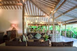 The lobby or reception area at United Colors of Bali