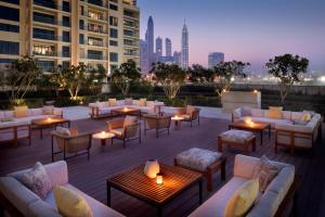 A restaurant or other place to eat at Vida Emirates Hills