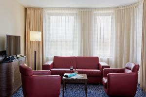 A seating area at Courtyard by Marriott Vienna Prater/Messe