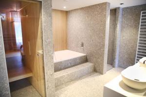 Een badkamer bij Hotel van der Valk Spier Dwingeloo