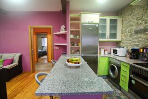 A kitchen or kitchenette at A Casa do Avó