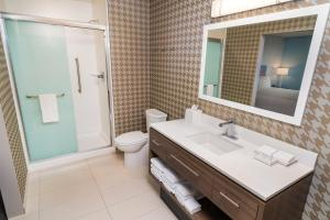 A bathroom at Home2 Suites by Hilton Las Vegas City Center