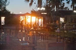 Restaurant ou autre lieu de restauration dans l'établissement Palmwag Lodge