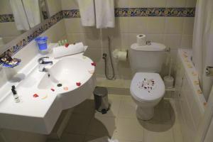 Een badkamer bij Sousse City & Beach Hotel