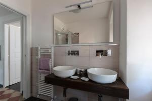 A bathroom at La BRIGNA B&B Il bosco sul mare