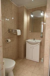A bathroom at Eden