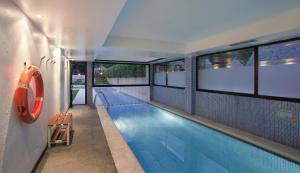 The swimming pool at or near Parador de Artíes