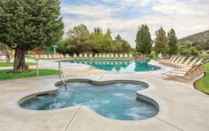 The swimming pool at or near WorldMark Eagle Crest