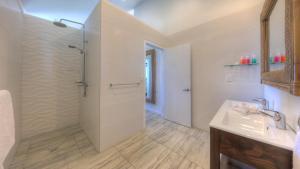 A bathroom at Sea Change Villas