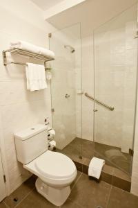 A bathroom at Tierra Viva Miraflores Larco