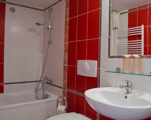Koupelna v ubytování Hotel St. Anna