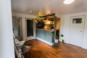 Een keuken of kitchenette bij Hotel Brasserie Rebecca