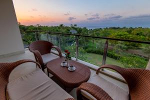 A balcony or terrace at AYANA Residences Luxury Apartment