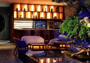 The lounge or bar area at HOTEL&SPA CENTURY MARINA HAKODATE