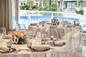Een restaurant of ander eetgelegenheid bij AQUA Hotel Onabrava & Spa 4*Sup