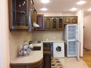 A cozinha ou cozinha compacta de BAKU EXCELENT APARTMANT