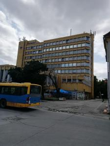 The building in which a hosteleket is located