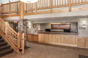 The lobby or reception area at MountainView Lodge and Suites