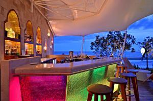 華欣馬拉喀什Spa度假酒店酒吧或休息區