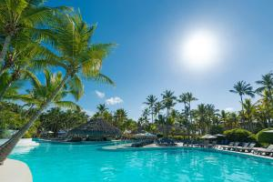 The swimming pool at or close to Catalonia Punta Cana - All Inclusive