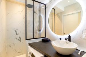 Salle de bains dans l'établissement Appartement Saint Malo centre
