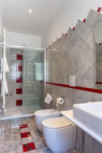 A bathroom at Hotel Bristol