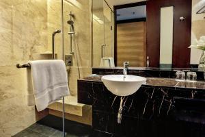 A bathroom at Impiana KLCC Hotel