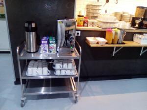 A kitchen or kitchenette at Hostel Catedral Burgos