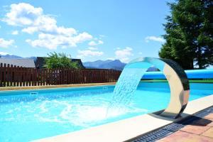 The swimming pool at or close to Willa Grand Karpatia Ski&Spa
