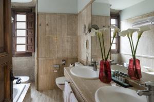 A bathroom at Parador de Pontevedra