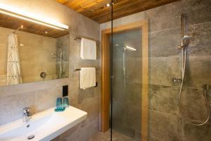 A bathroom at Midland