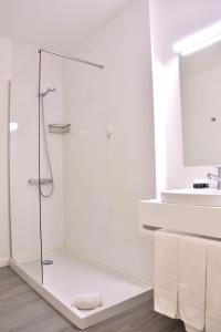Uma casa de banho em Hotel Sol Algarve by Kavia
