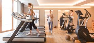 Das Fitnesscenter und/oder die Fitnesseinrichtungen in der Unterkunft Althoff Seehotel Überfahrt