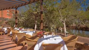 A restaurant or other place to eat at Sheraton Fuerteventura Golf & Spa Resort