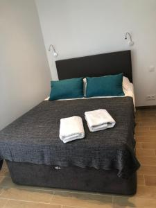 A bed or beds in a room at Studio Gare Saint Charles