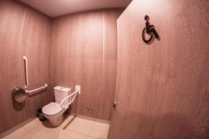 A bathroom at Los Yamanas