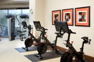 The fitness center and/or fitness facilities at Hyatt Regency Austin