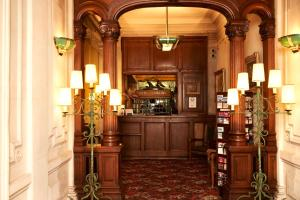 The lobby or reception area at Hôtel Langlois