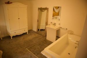 A bathroom at Magna