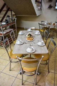 A restaurant or other place to eat at Hotel Acuario
