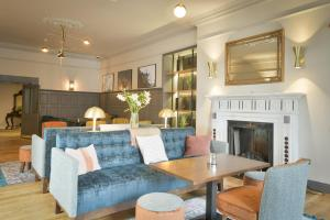 A seating area at Lahinch Coast Hotel and Suites