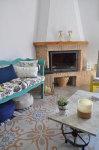 A seating area at Casa Rural Casta Alvarez