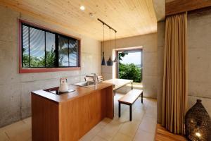 A bathroom at Kaiza