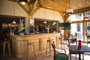 Salon ou bar de l'établissement Domaine Du Roncemay - Les Collectionneurs