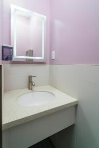 A bathroom at Ansonia Hotel San Francisco